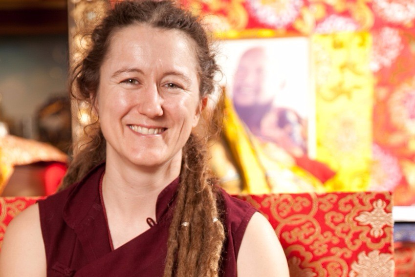 lama-caroline-mestra-filosofia-budista